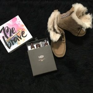 Uggs with sheepskin care kit